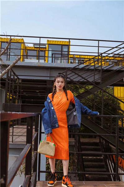 程晓玥太会穿 多种风格随意切换6.jpg
